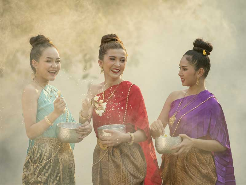 Thai-traditional-clothing-site-news